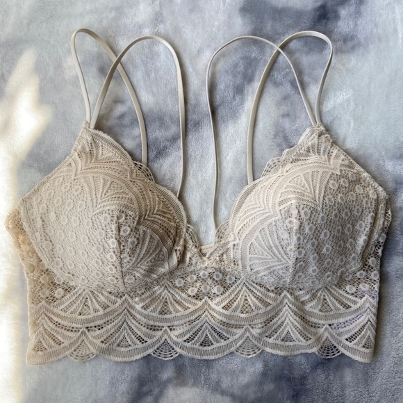 LIKE NEW~ Off White Lace Thin Strap Bralette